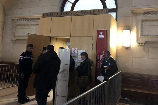 La Cour d'Assises de Paris où sont jugés les deux anciens policiers de la BRI, accusés d'avoir violé une touriste canadienne.