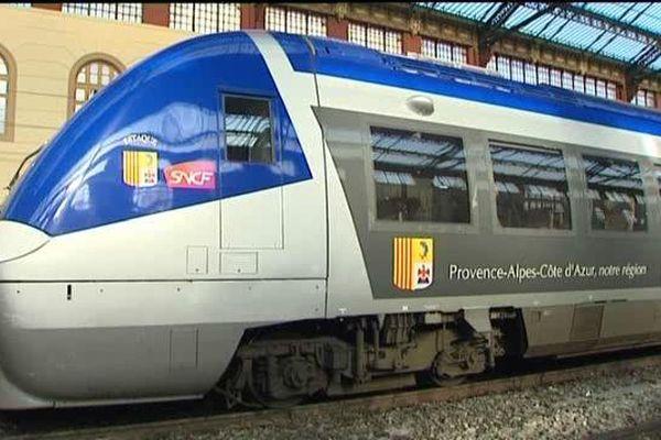 Un TER en gare Saint-Charles à Marseille.