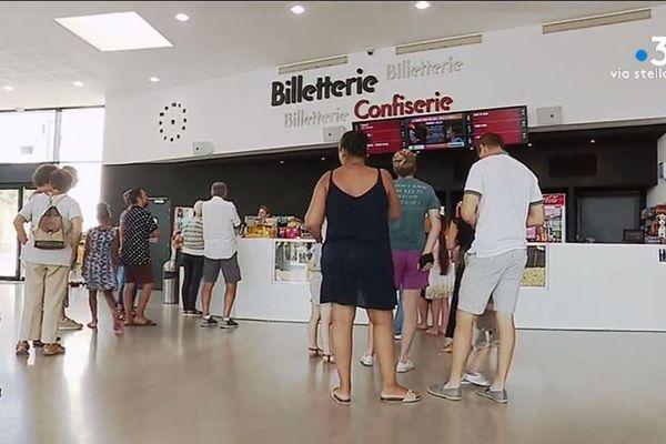 L'Ellipse, à Ajaccio, un cinéma conforme aux canons des nouvelles salles de cinéma dans le monde entier