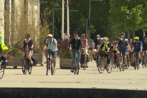 Près de 50 personnes ont répondu à l'appel du collectif Vélorution de Caen