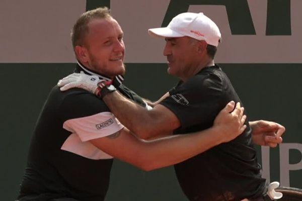Roland Garros 2018 - Stéphane Houdet et le mosellan de Sarreguemines Nicolas Peifer à l'issue de leur victoire en finale de double fauteuil sur la paire Stefan Olsson (Suède) et Fred Cattanéo (France)  sur le score de 6/1, 7/6.