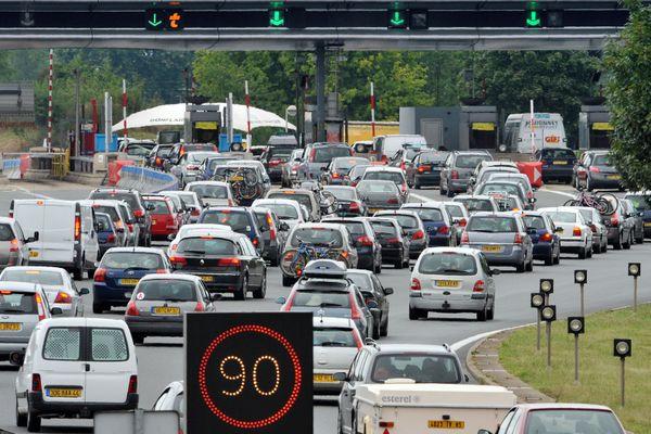Des autoroutes chargées ce week-end pour un nouveau samedi de départ en vacances.