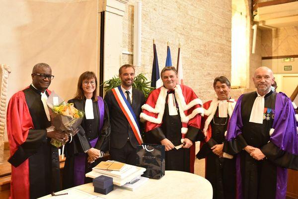 Denis Mukwege, Sophie Béjean, Michaël Delafosse, Michel Mondain et Philippe Augé à Montpellier le 9 octobre 2021.