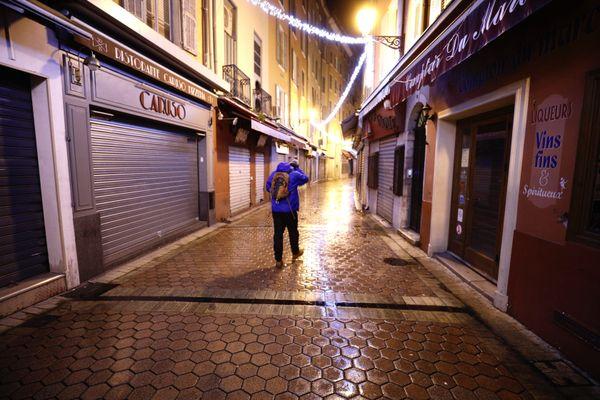 Le couvre-feu à Nice comme dans toutes les Alpes-Maritimes et les Hautes-Alpes.