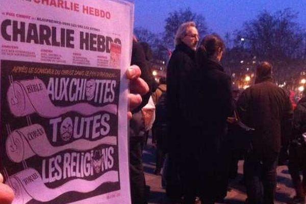 Rassemblement place de la République à Paris en hommage aux morts de Charlie-Hebdo