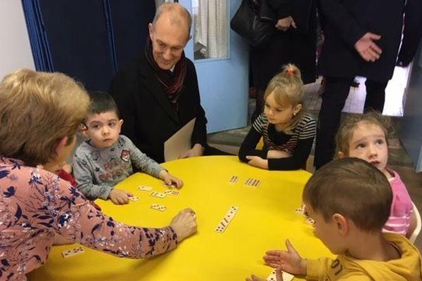 Le recteur d'académie en visite dans une école maternelle