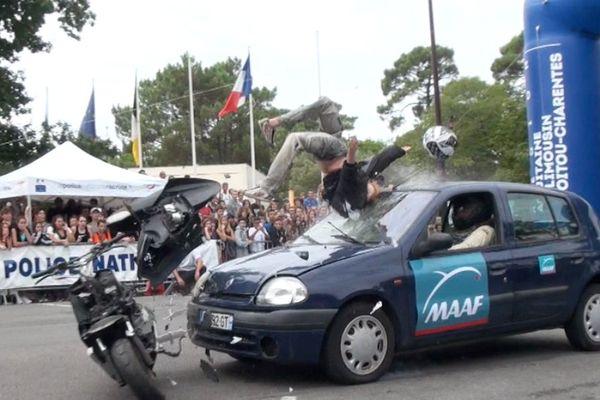 Des démonstrations faites pour choquer les esprits et démontrer la gravité d'une collision y compris à vitesse réduite.