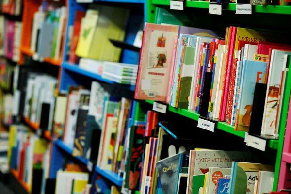Illustration : toute personne ayant arpenté la bibliothèque est appelée à se faire dépister.