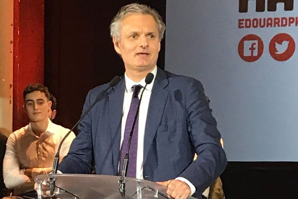 Jean-Baptiste Gastinne actuel maire du Havre s'engage derrière Edouard Philippe.