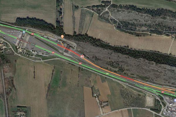 Accident entre deux VL au péage de Lançon-de-Provence (13)