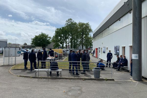 Près de 75 salariés se sont relayés devant l'usine Mécachrome Atlantique.
