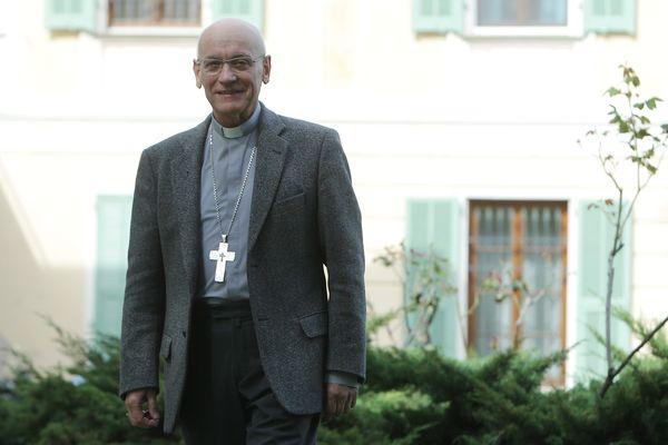 Mgr André Marceau, évêque de Nice propose de suivre les cérémonies sur Facebook.