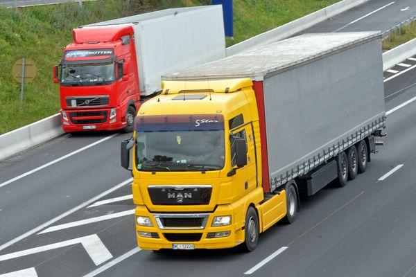 Interdiction du transit poids lourds supérieur à 3,5 tonnes sur la RD83 entre l'autoroute A35 déviation de Sélestat et la route métropolitaine RM353 Rocade Sud de Strasbourg