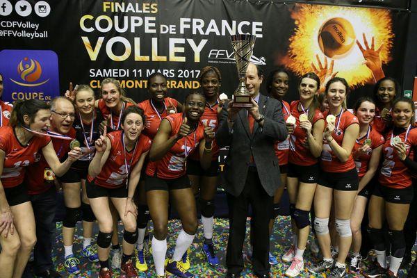 Après leur victoire en Coupe de France en mars (photo), cette saison se termine en apothéose avec ce titre de Championnes de France Elite et cette montée en Ligue A.