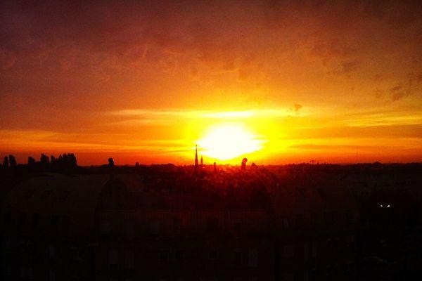 Impression d'un soleil levant...une folle journée.