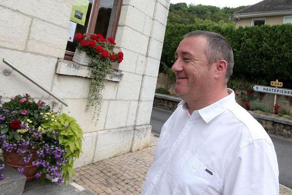 Romuald Maugain, maire de Mouthier-Haute-Pierre, a passé 17 jours dans le coma.