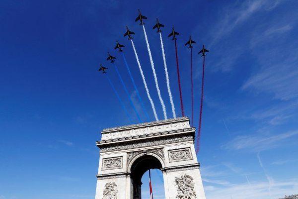 La Patrouille de France ouvrait vendredi matin le défilé militaire du 14 juillet.
