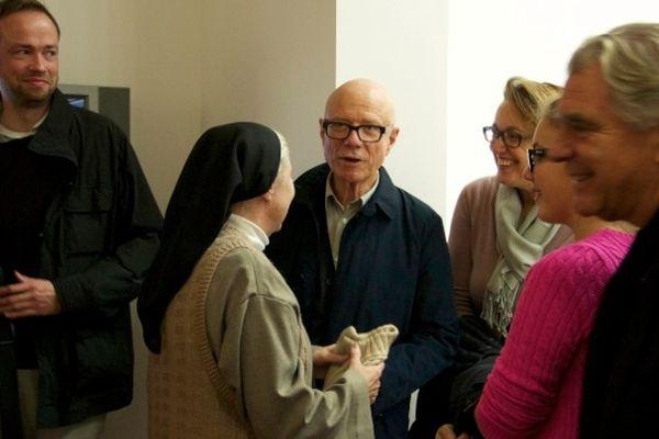Florian Bolle, architecte RPBW, Rolf Felhbaum en conversation avec Soeur Brigitte, Jean-Jacques Virot, de l'AONDH