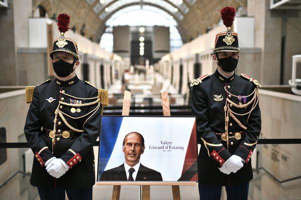 Un hommage est rendu a Valery Giscard d Estaing au Musee d'Orsay le 4 décembre 2020.