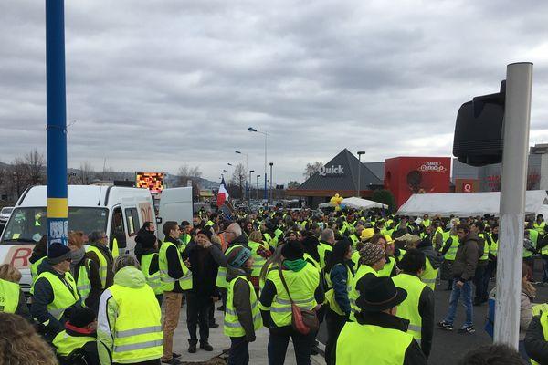 Samedi 26 janvier, les Gilets jaunes ont investi la zone commerciale sud de Clermont-Ferrand.