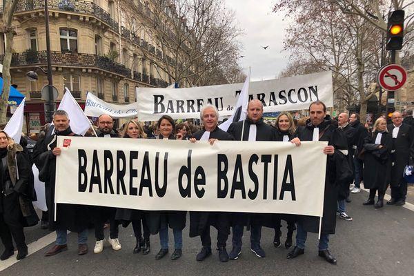 Une délégation de professionnels de la justice s'est rendue à Paris pour se joindre à la mobilisation nationale contre la réforme de la justice.