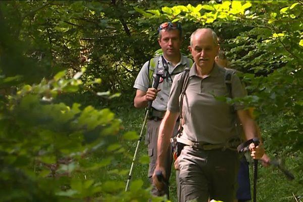 Les membres du Réseau Ours Brun lors d'une mission de suivi de l'ours en Haut Béarn.