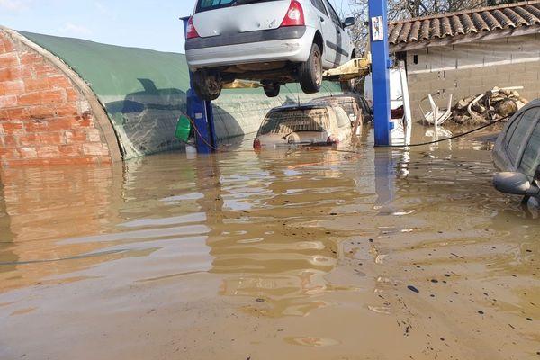 Une partie du garage de Bruno Lavergne sous les eaux après la plus forte crue de la Garonne depuis 40 ans