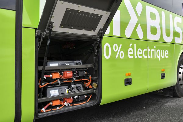 La compagnie Flixbus a inauguré un bus électrique pour la ligne Paris - Amiens. Il a une autonomie de 250 km.