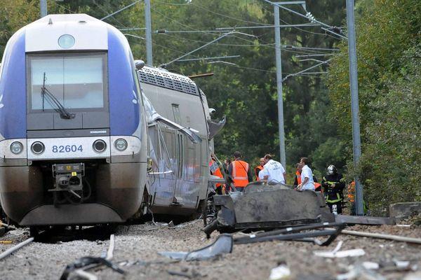 Le 12 octobre 2011, un TER percutait un camion à un passage à niveau, à Saint-Médard-sur-Ille faisant 3 morts et 45 blessés