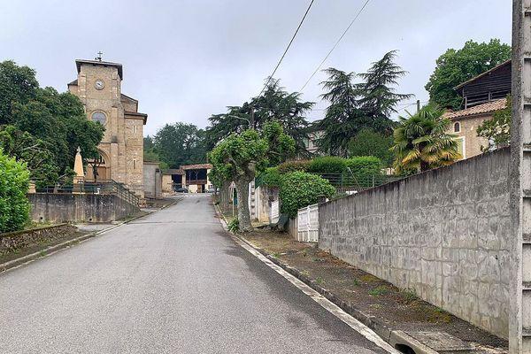 Saint-Michel (Haute-Garonne) - un homme de 42 ans abattu en pleine rue, près de l'église. Le GIGN a pu capturer l'auteur du coup de feu - 2021.
