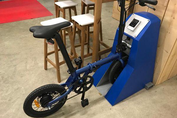 Il existe également des stations connectées pour vélos électriques dans les entreprises - archives.