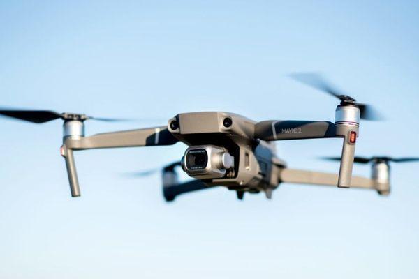 Un drone similaire à ceux utilisés par la préfecture de police de Paris au cours de la crise sanitaire, les engins de la PP étant équipés en plus d'un haut-parleur (illustration).