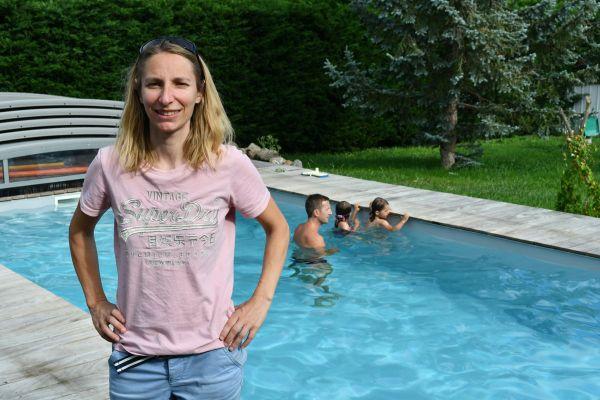 A Clermont-Ferrand, Emilie Ducher met en relation parents et maîtres-nageurs afin de lutter contre les noyades en piscine privées