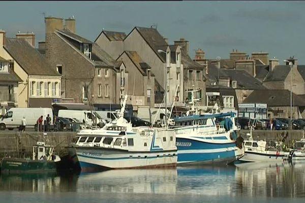 Le port de Saint-Vaast-la-Hougue