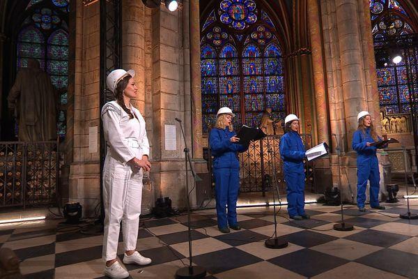 Julie Fuchs et la Maîtrise de Notre-Dame de Paris chanteront jeudi 24 décembre sur France 2 depuis la cathédrale Notre-Dame de Paris.
