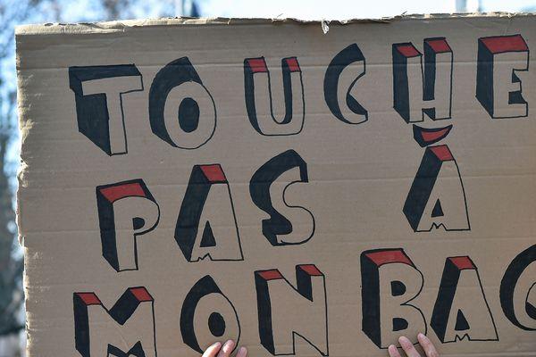 Elèves, enseignants et professeurs se mobilisent contre la réforme du baccalauréat.