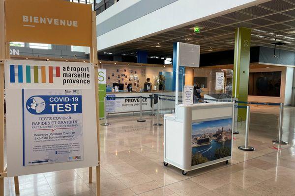 Un centre de dépistage a été crée directement au sein de l'aéroport.