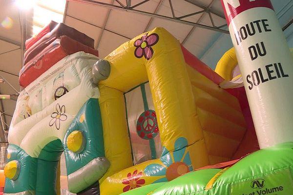 Les enfants ne s'amusent plus sur les structures gonflables de l'espace de loisirs Ô Park de Castres.