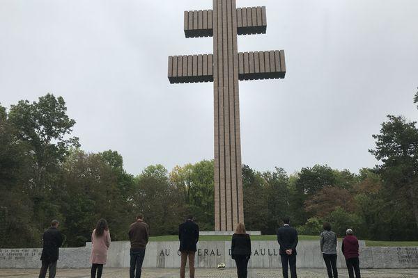 La croix de Lorraine surplombant le mémorial Charles de Gaulle à Colombey-les-Deux-Eglises