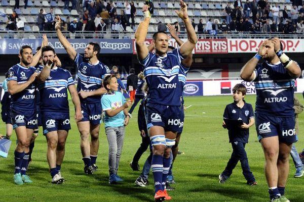 La joie des rugbymen de Montpellier après leur large victoire contre le Racing 92, 54 à 3, samedi 22 avril en Top 14.