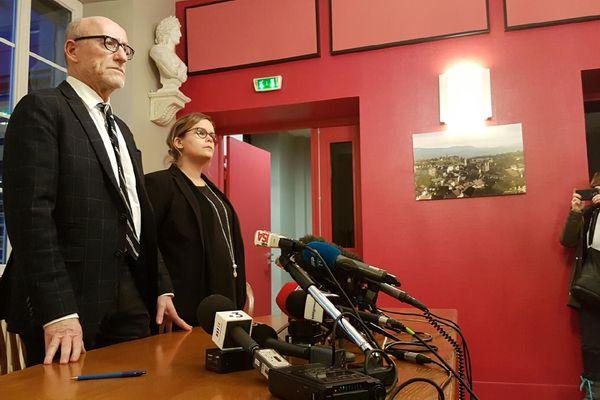 Maître Jakubowicz à la mairie de Pont-de-Beauvoisin, le 14 février 2018
