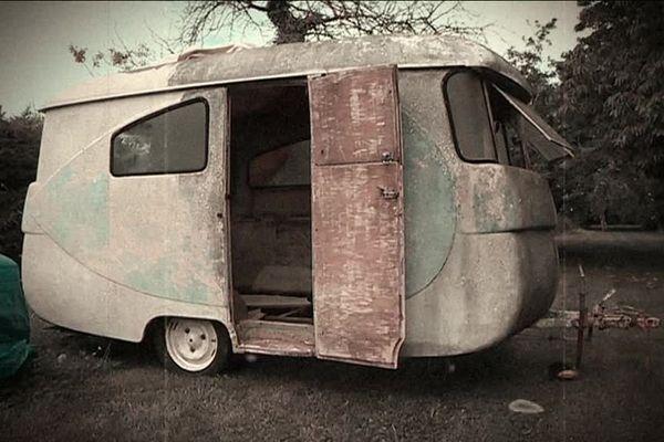 La caravane de Papi et Mamie retrouve une seconde peau avec Yves Duplain