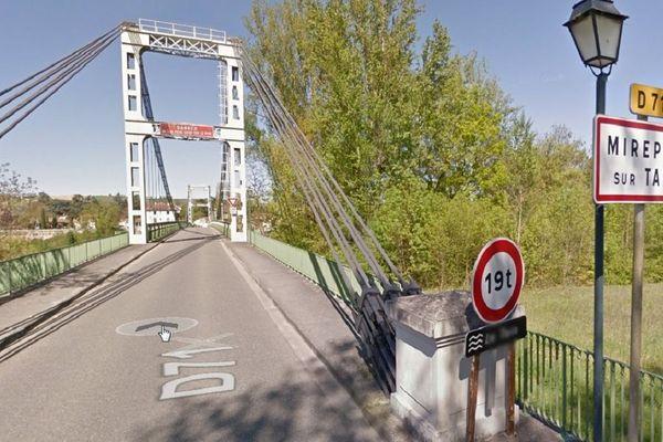 Le pont de Mirepoix-sur-Tarn, en Haute-Garonne, a été construit en 1935.