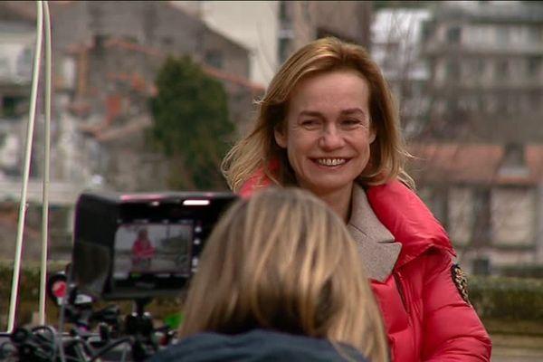"""Sandrine Bonnaire, lors du tournage de """"La loi de Marion"""" à Angoulême en février 2018."""