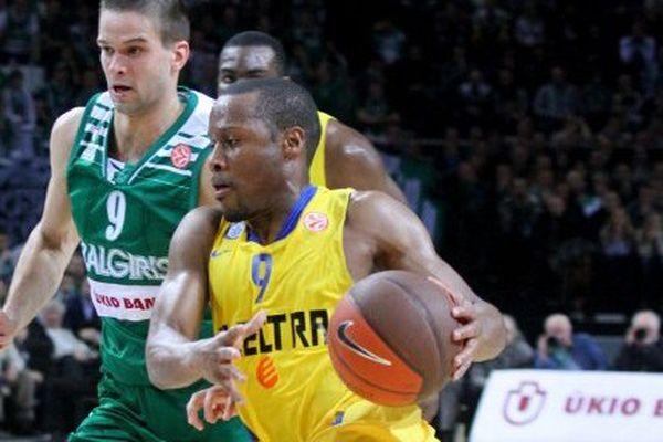 Demond Mallet, en 2012, sous le maillot du Maccabi Electra.