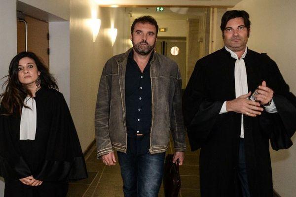 L'anesthésiste de Besançon Frédéric Péchier entouré de ses avocats Me Spatafora et Me Randall Schwerdorffer - 29 mars 2017