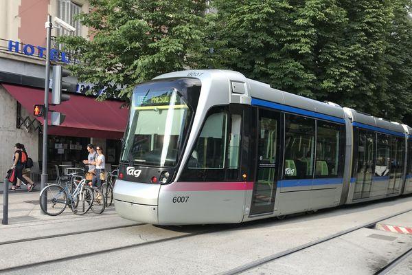 Le tramway de Grenoble. Photo d'illustration.