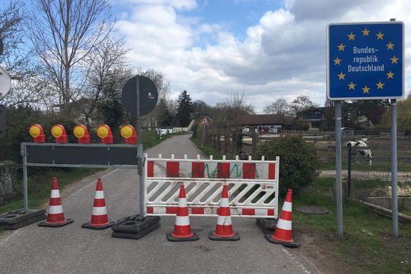 Depuis le 31 mars, absolument tous les passages vers l'Allemagne, même les plus confidentiels, sont fermés