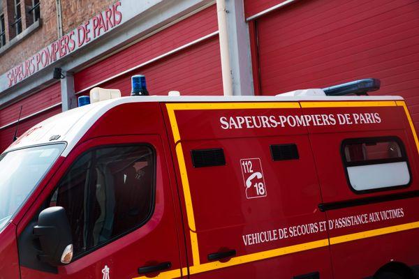 Les pompiers interviennent encore sur place.