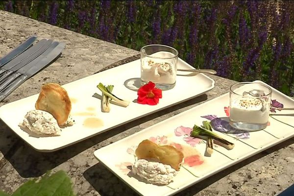 Déclinaison de mises en bouche au fromage de chèvre du Poitou préparée par Marlène.